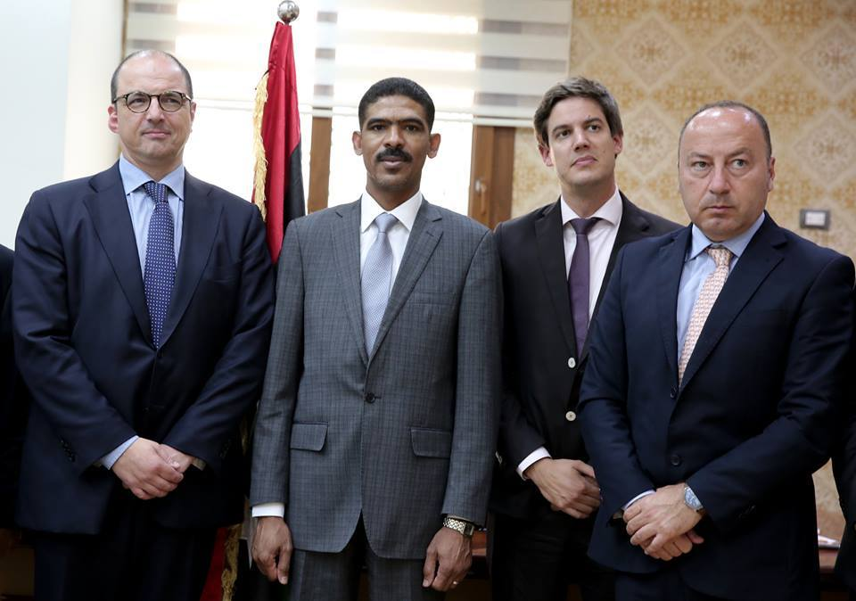 """Photo of """"الرئاسي"""" يبحث ملفات أمنية وسياسية مع مسؤولين أوروبيين"""