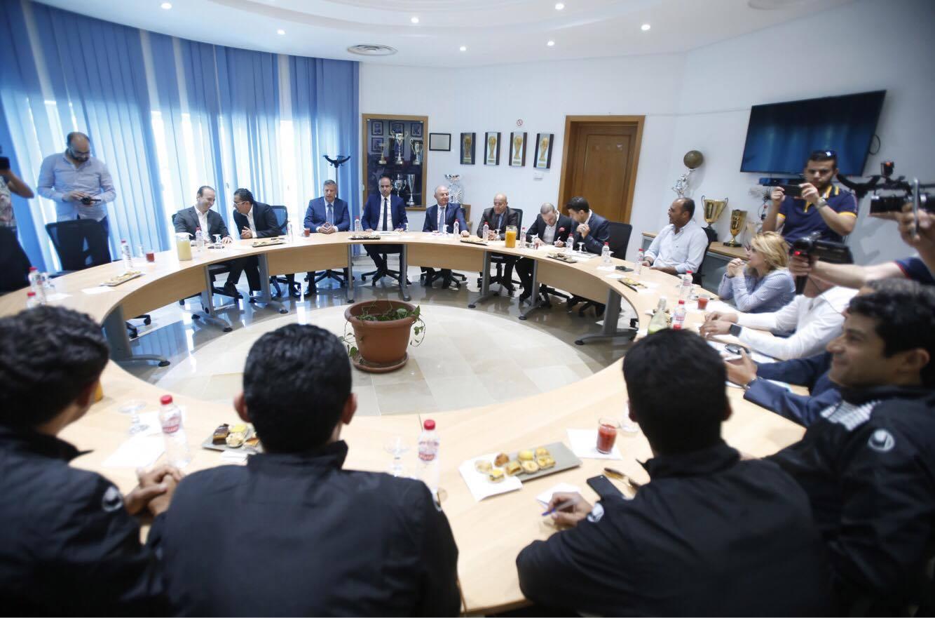 """Photo of اجتماع مفاجئ لترتيب الأجواء قبل """"الكلاسيكو التونسي"""""""