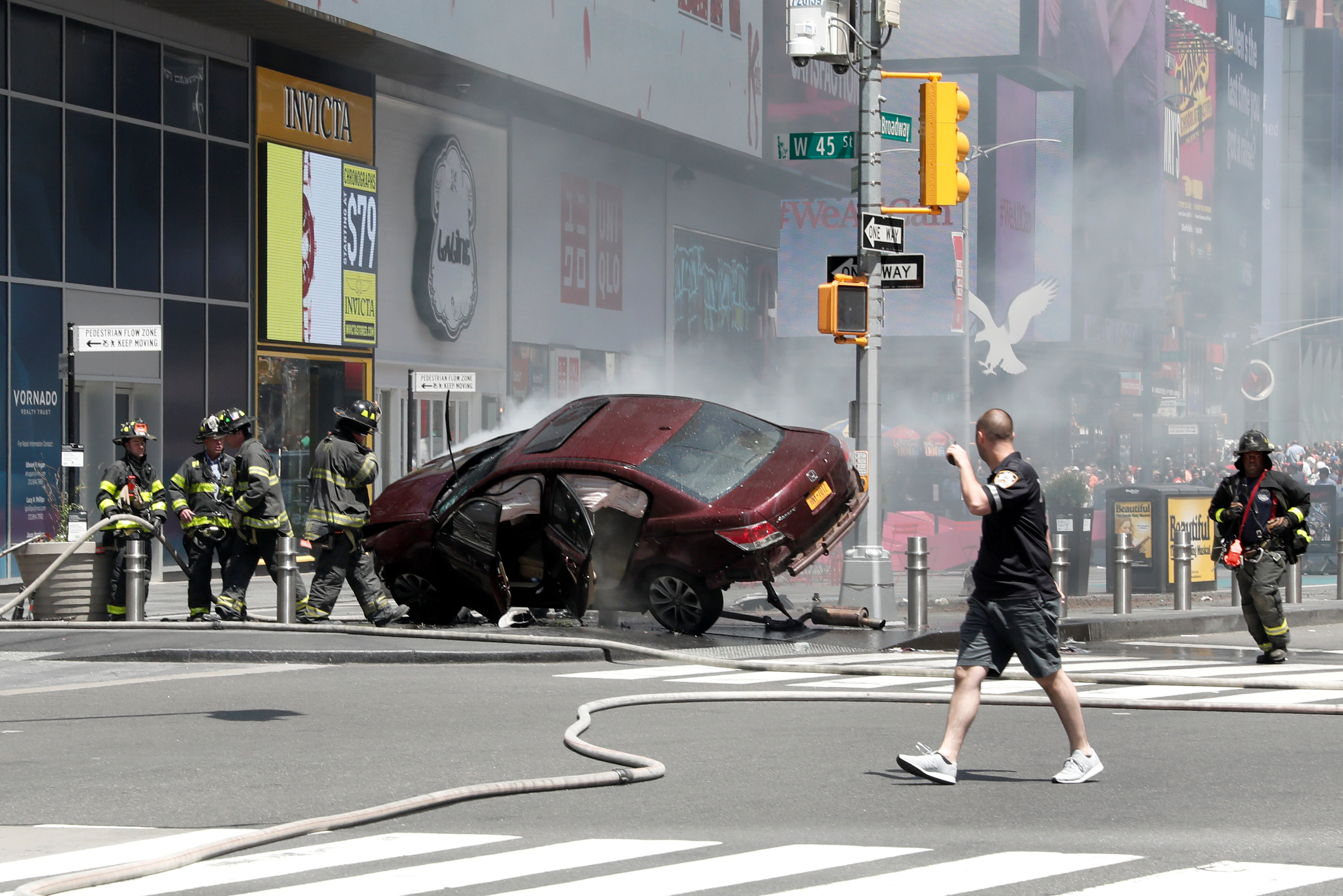 Photo of حادث دهس يثير الرعب في نيويورك.. واستبعاد الإرهاب
