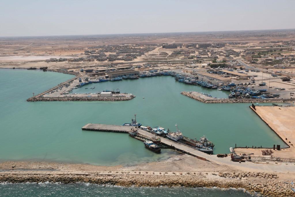"""Photo of مجهولون يعتدون بـ""""التخريب"""" على قطاع زوارة البحري"""