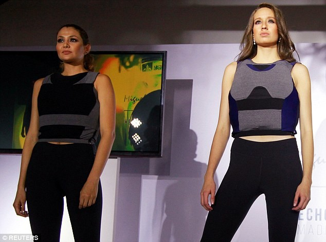 "Photo of تصاميم أزياء كولومبية تعطيك ""الأناقة"" و ""طول العُمْر"". إقرأ"