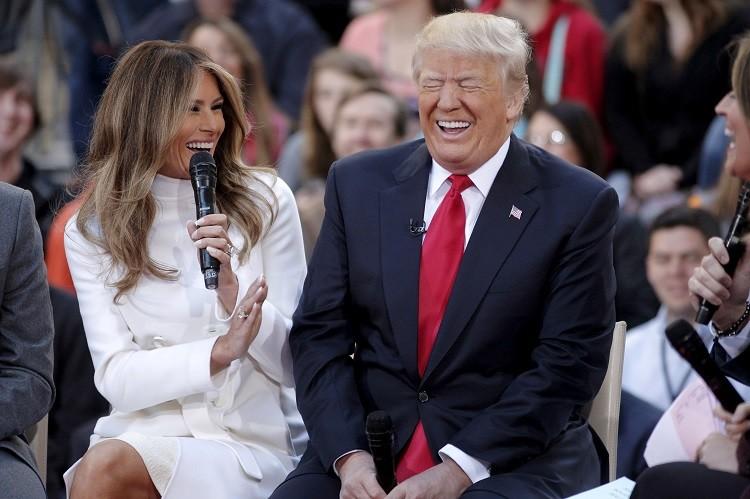 """Photo of سرّ """"لايك"""" ميلانيا على تغريدة تسخر من ترامب"""