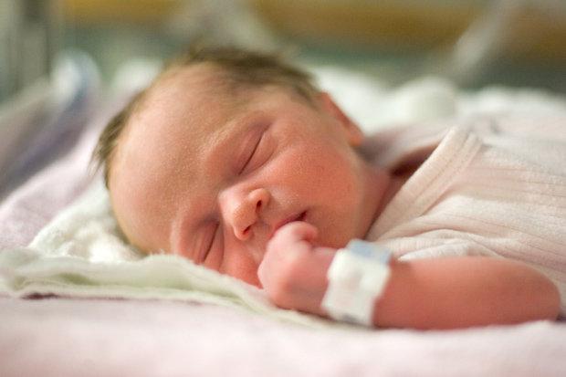 طفل مولود