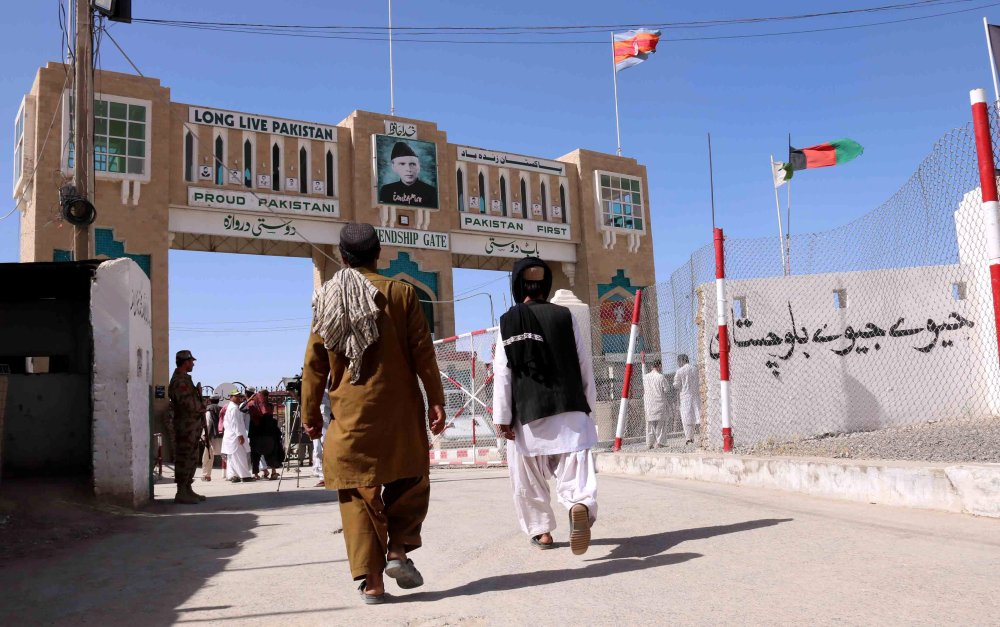 Photo of إعادة افتتاح معبر حدودي رئيسي بين باكستان وأفغانستان