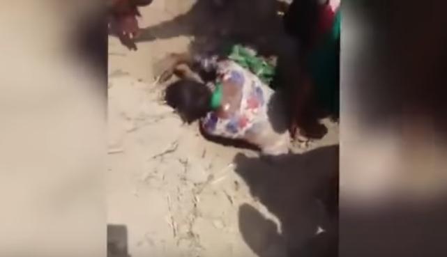 Photo of شاهد.. أخرجوها من قبرها قبل الموت بلحظات