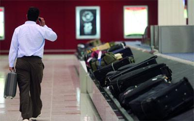 Photo of حقيبة سفر تستنفر مطارا هولنديا.. شيء لن تُصدّقه