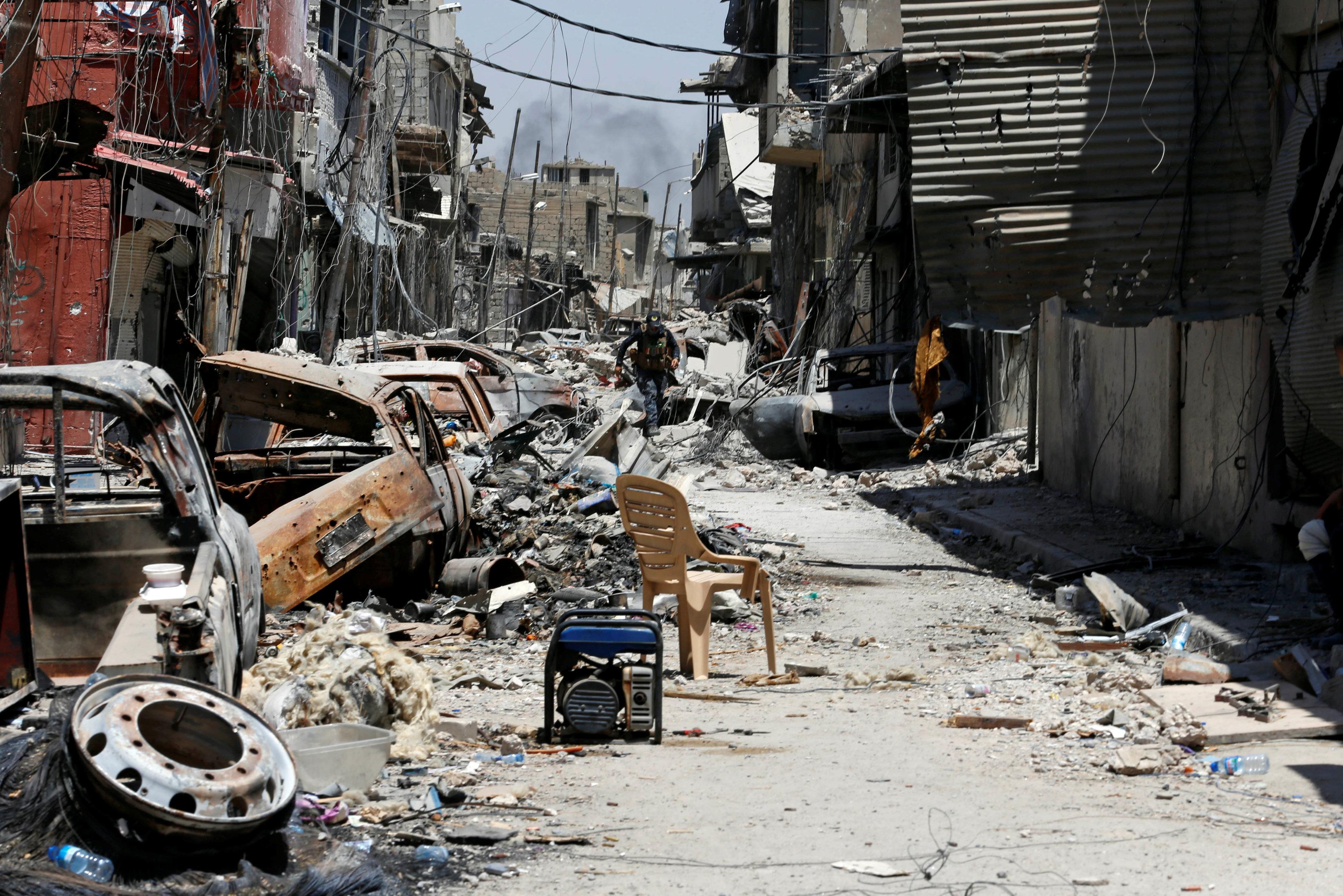 الموصل تتحرر من راية السواد