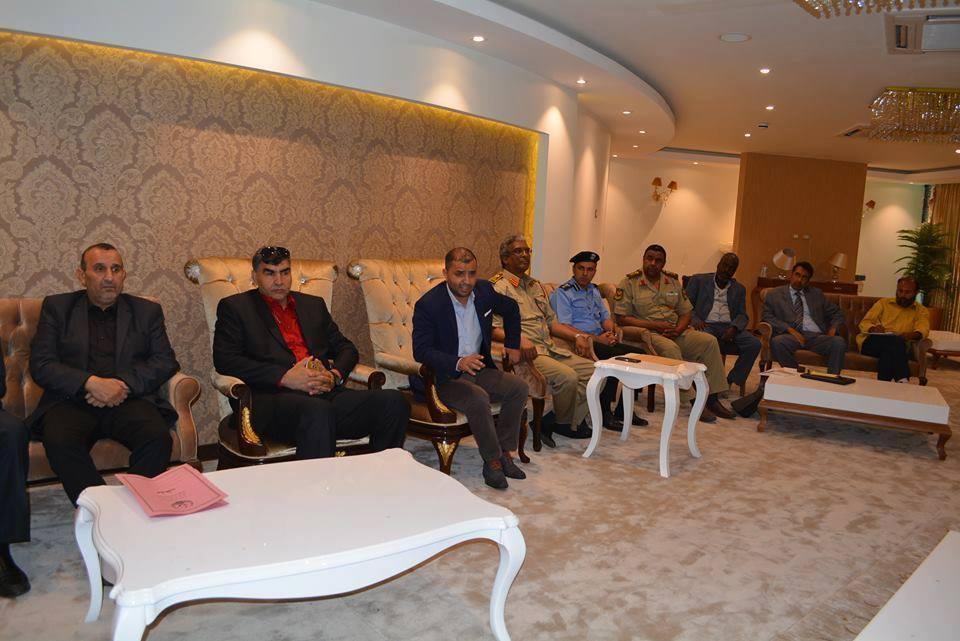 اجتماع عقد في مطار طرابلس العالمي