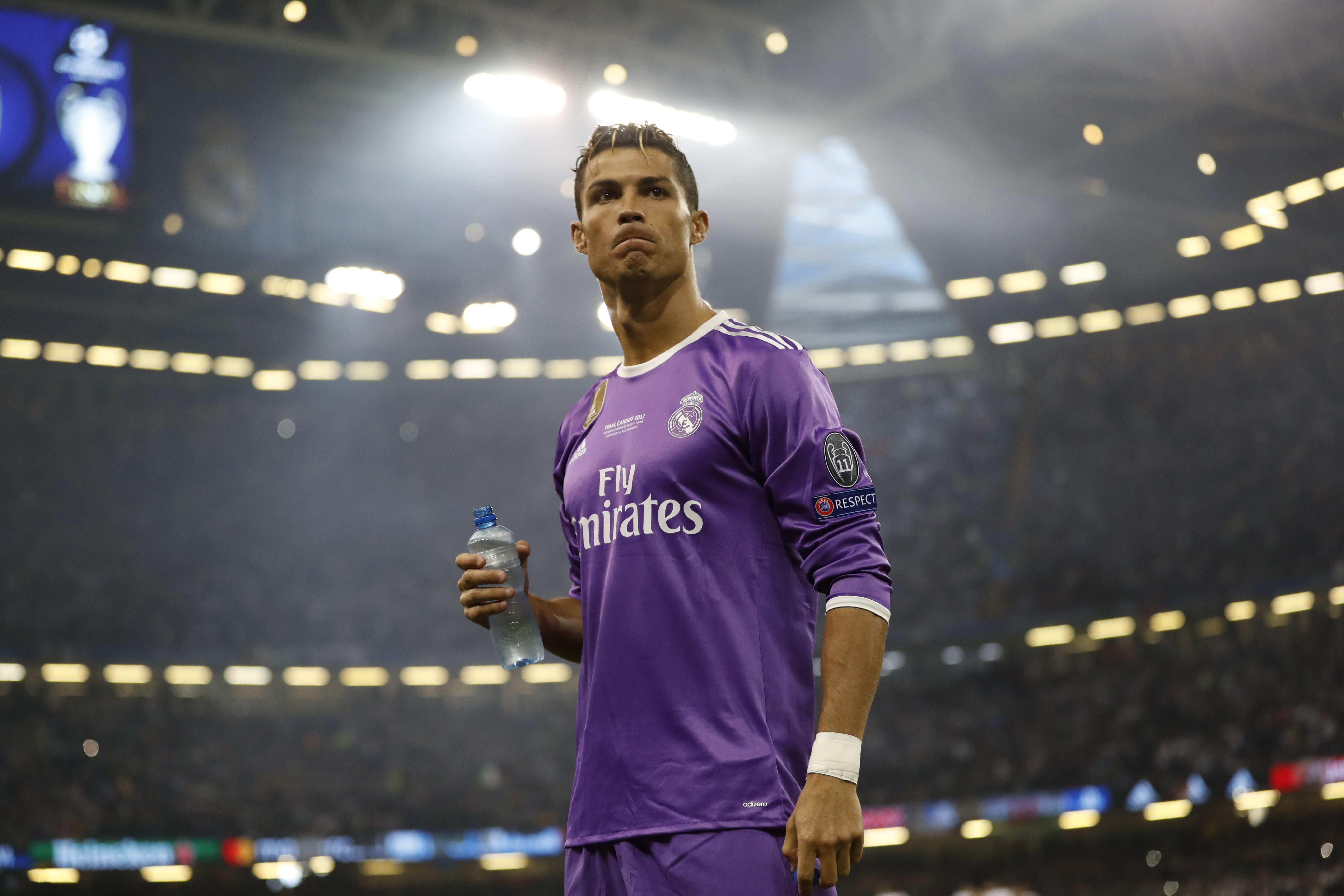 """صورة ريال مدريد """"يُلمّح"""" إلى ثمن التنازل عن """"الدون"""". إقرأ"""