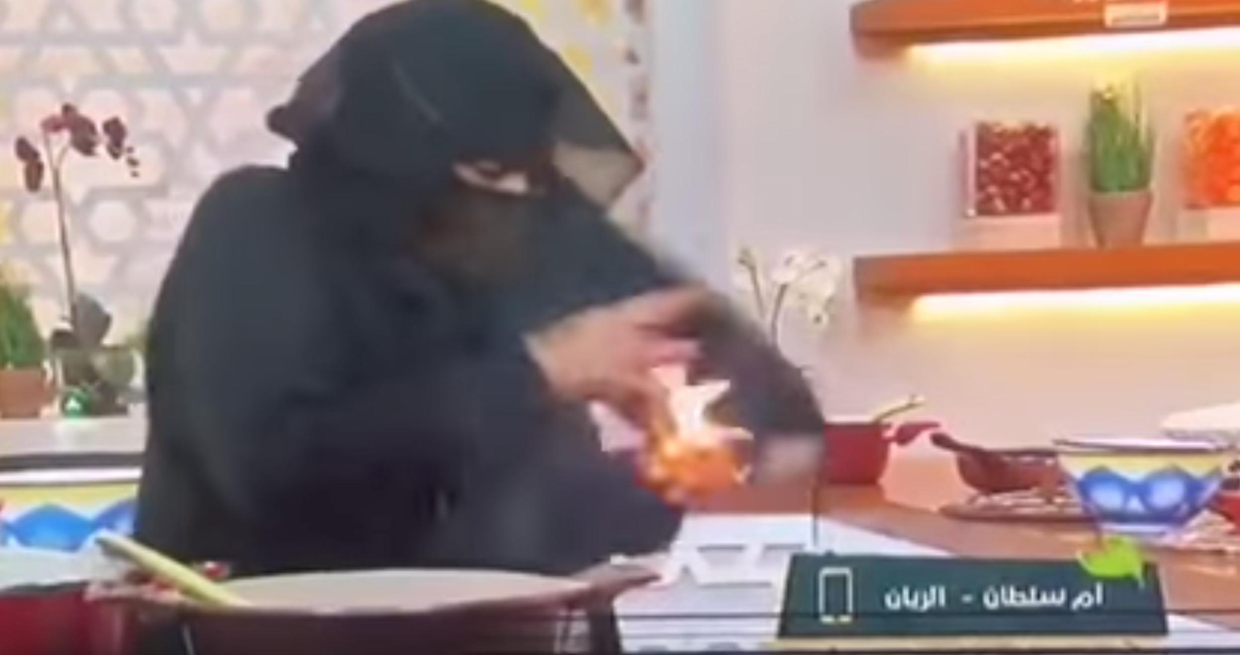 Photo of مقدمة برنامج طبخ تشتعل على الهواء مباشرة.. شاهد