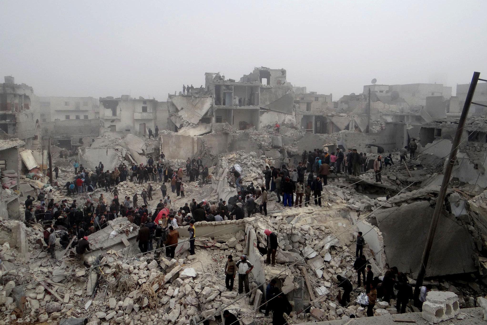 Photo of 200 ألف يغادرون الرقة السورية قبل الهجوم على داعش