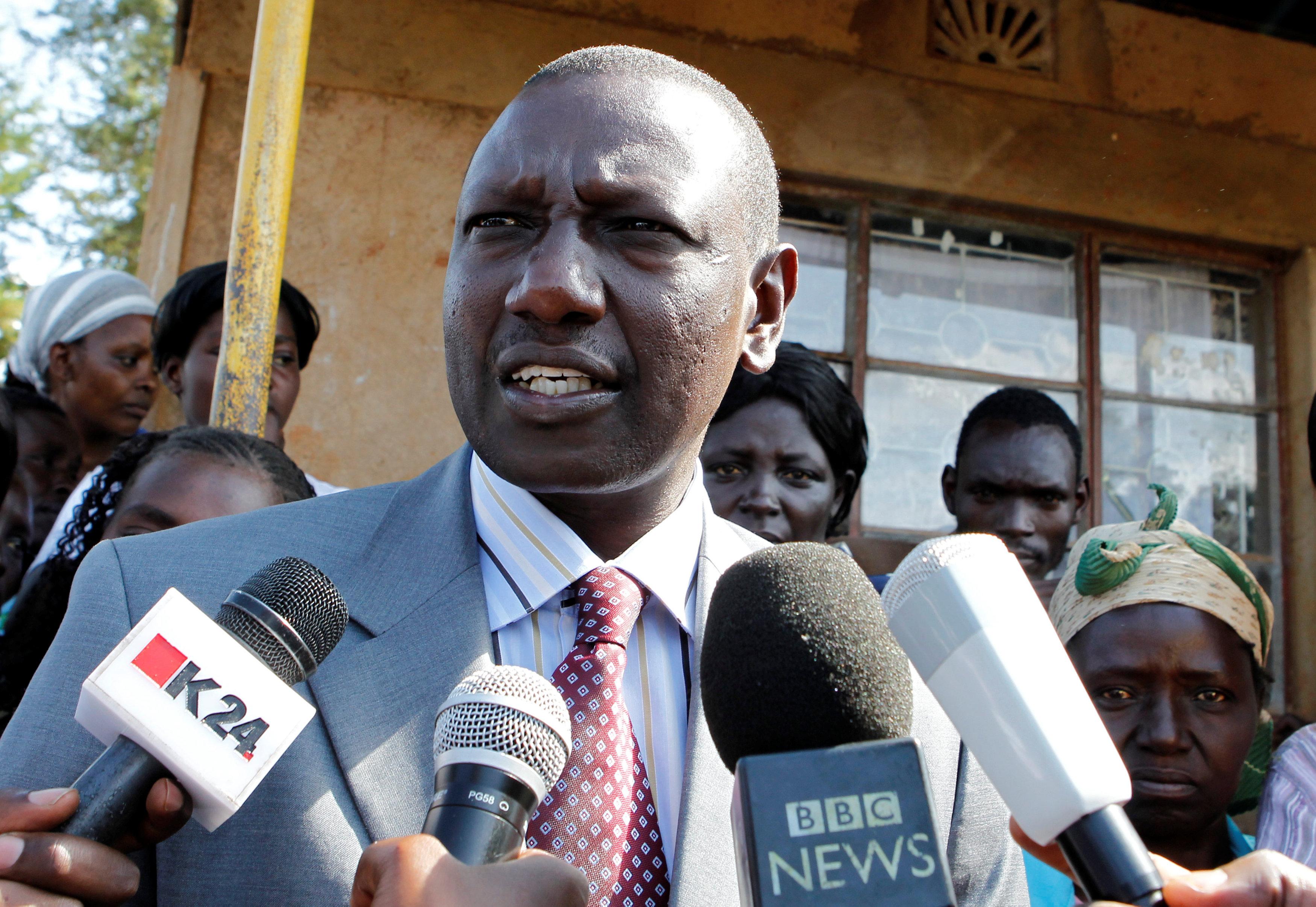 الشرطة الكينية رجل مسلح بمنجل هاجم منزل نائب الرئيس