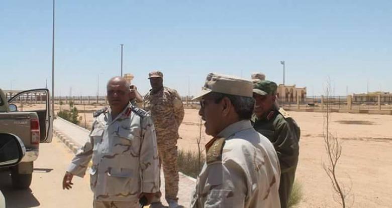 صورة العميد المسمارييتفقد تمركزات الجيشعلى الحدود مع مصر