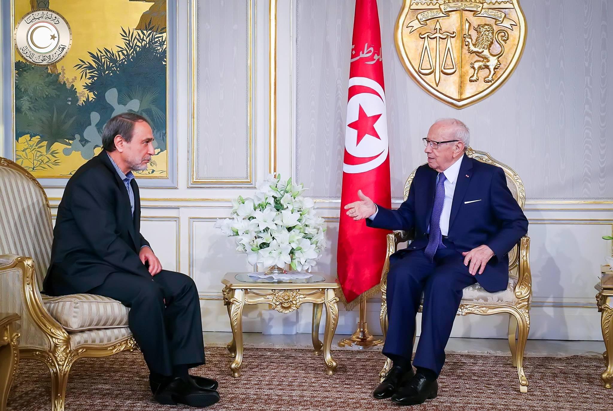 رئيس المجلس الاستشاري للدولة عبدالرحمن السويحلي، مع الرئيس التونسي الباجي قايد السبسي