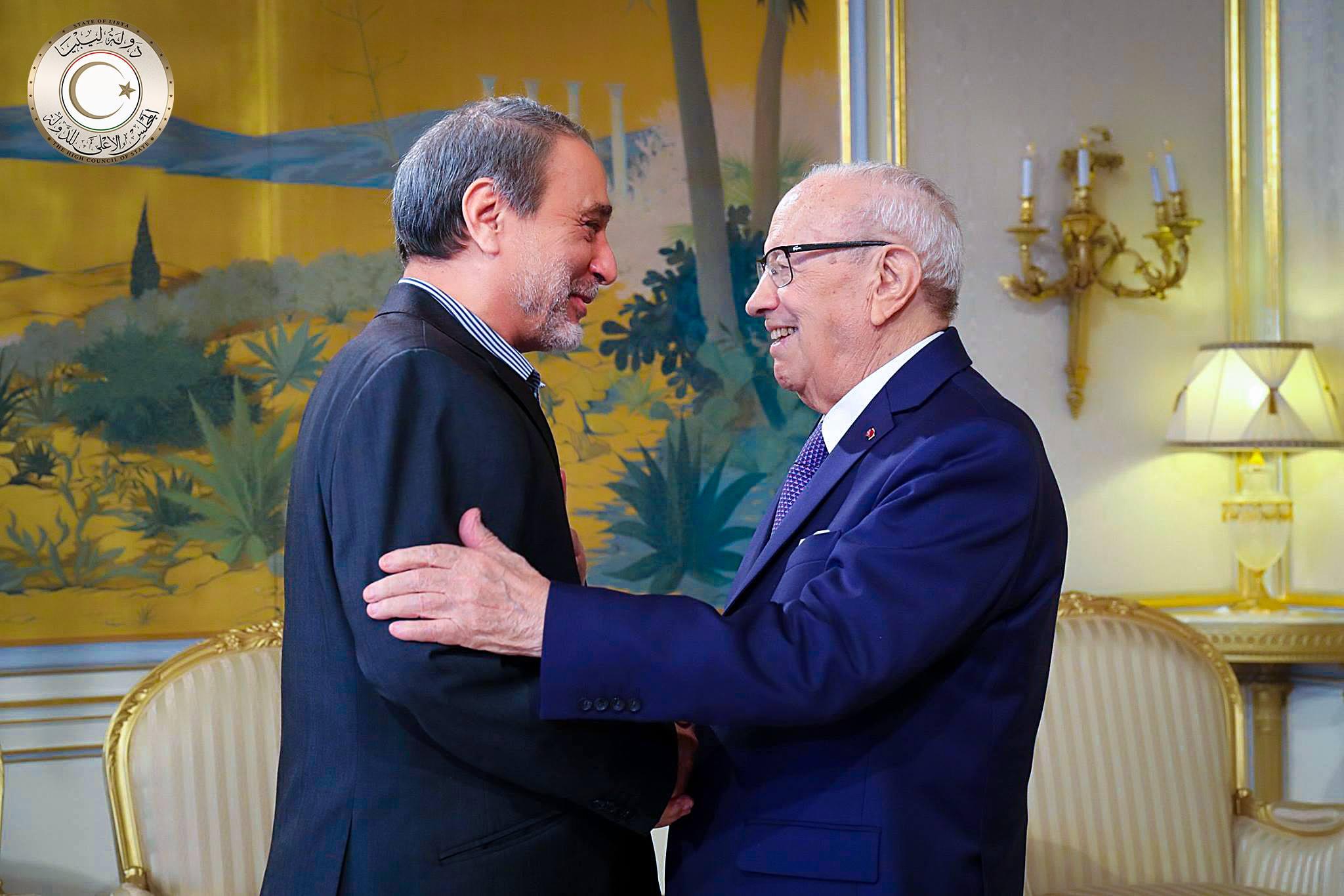 """Photo of السويحلي والسبسي: بالحوار تُحل """"أزمة ليبيا"""""""