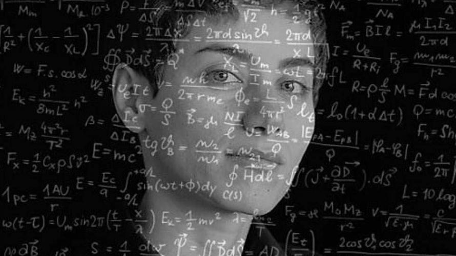 """عالمة الرياضيات الإيرانية الشهيرة """"مريم ميرزاخاني"""""""