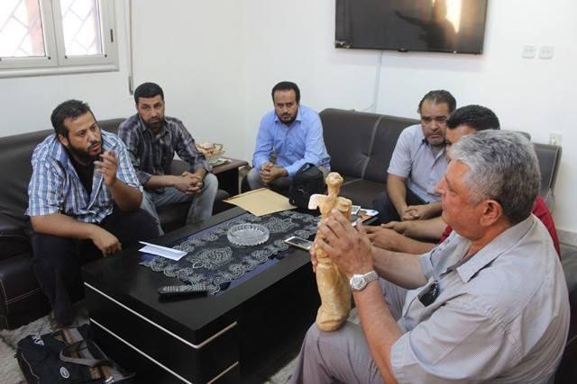 """Photo of الإيقاع بـ""""مهرب آثار""""في مدينة طلميثة"""