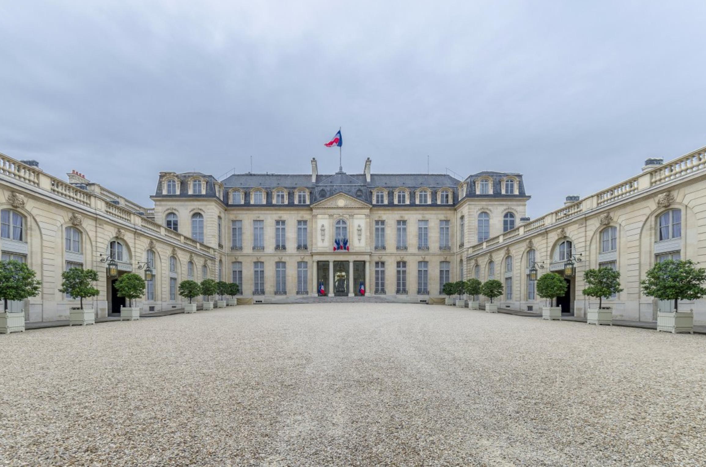 Photo of البيان المشترك – باريس : توحيد مؤسسات الدولة كالمصرف المركزي ومؤسسة النفط ومؤسسة الاستثمار