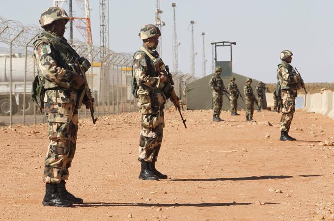 """Photo of الجيش الجزائري يدعو لحل أزمة ليبيا """"قبل فوات الأوان"""""""