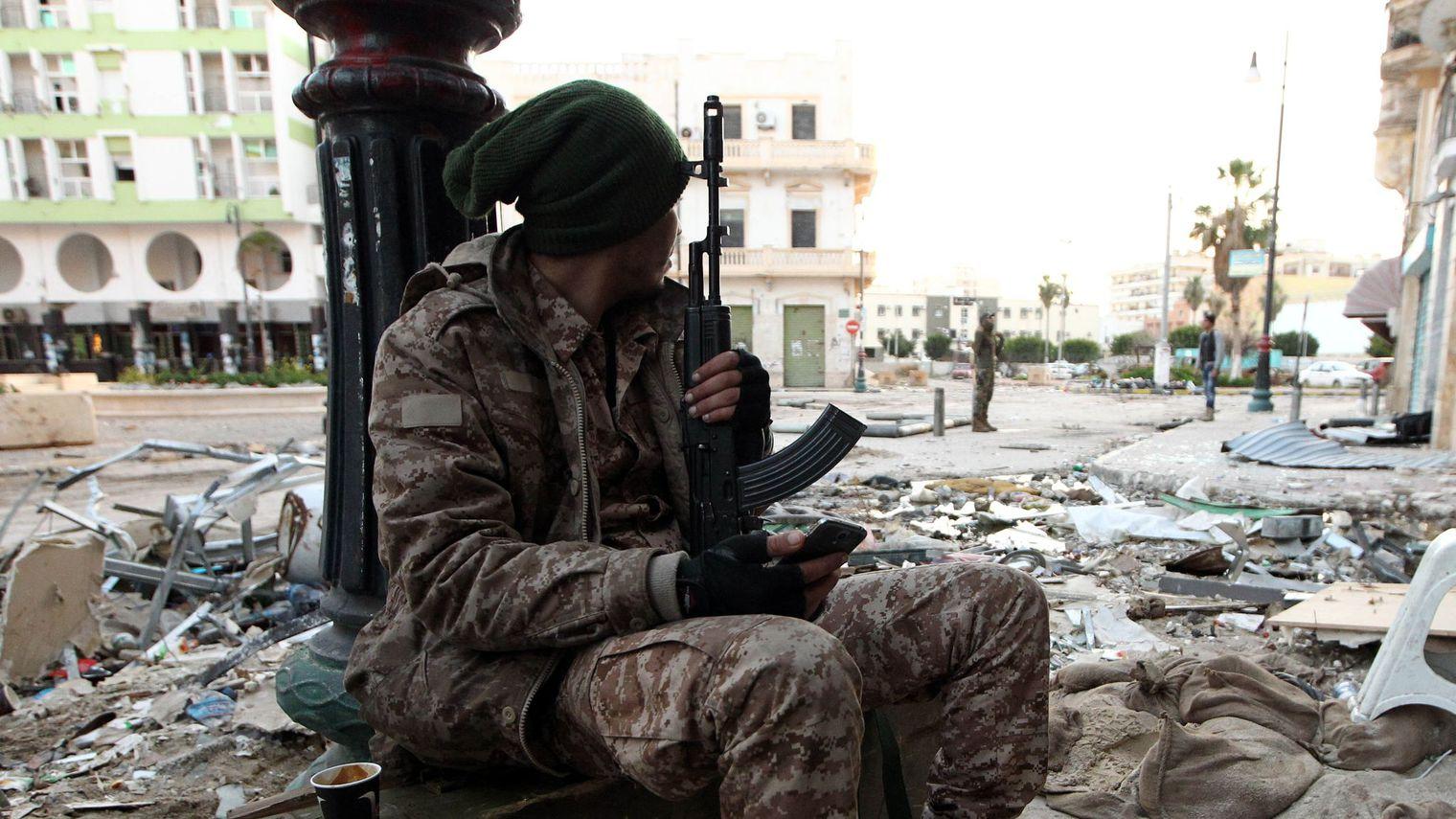 الجيش الوطني تصوير : عبدالله دومة