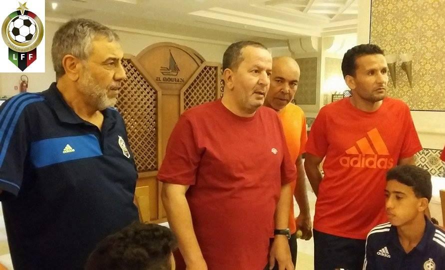 صورة الشلماني يحفز لاعبي المنتخب للناشيئن قبل سفرهم