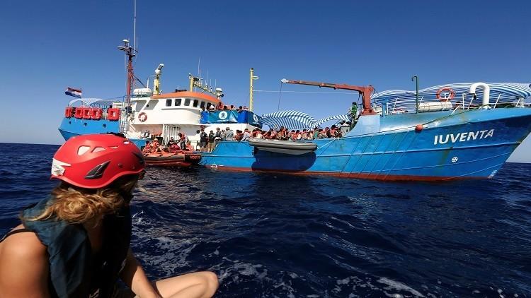 سفينة ألمانية تتعاون مع مهربي البشر في ليبيا