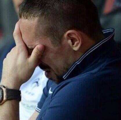 Photo of الفرنسي ريبيري يتعرض لموجة من السخرية