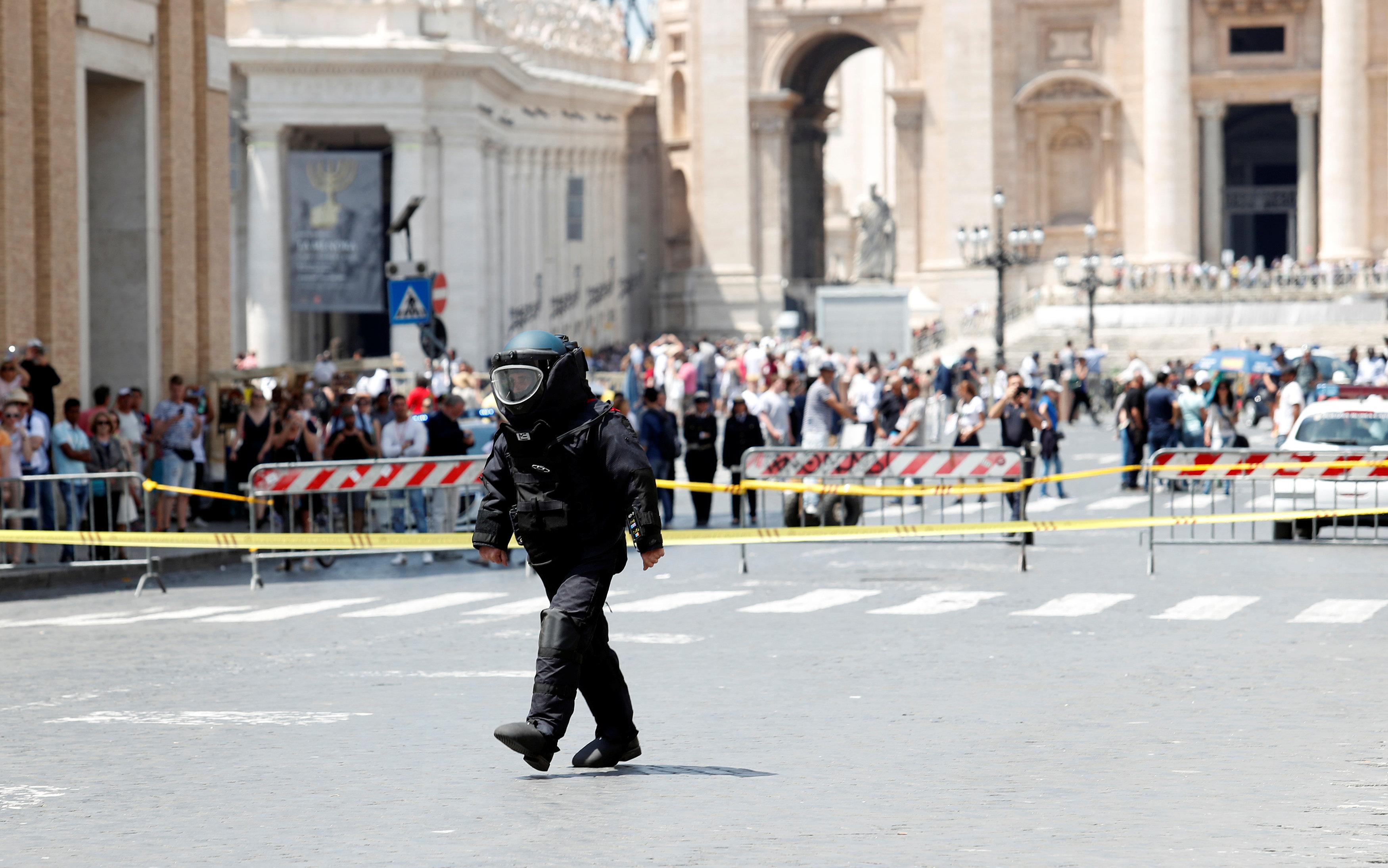 صورة الحرس السويسري: الفاتيكان مستعد للتصدي لهجوم على غرار برشلونة