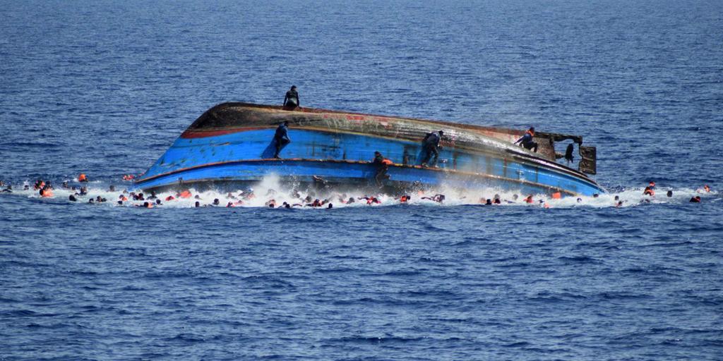 Photo of مصرع 55 مهاجرا أفريقيا في ثاني واقعة غرق قبالة اليمن