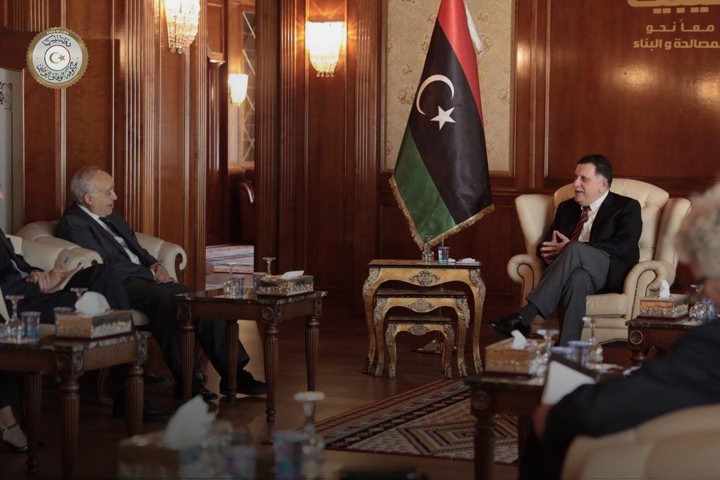 "Photo of ""الجنتلمان المُسْتمِع"" يُقلّب ""الحصاد الليبي المُرّ"" لكوبلر"