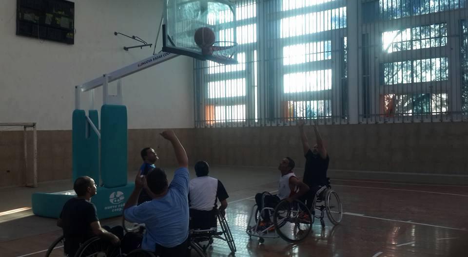 لعبة كرة السلة على الكراسي المتحركة