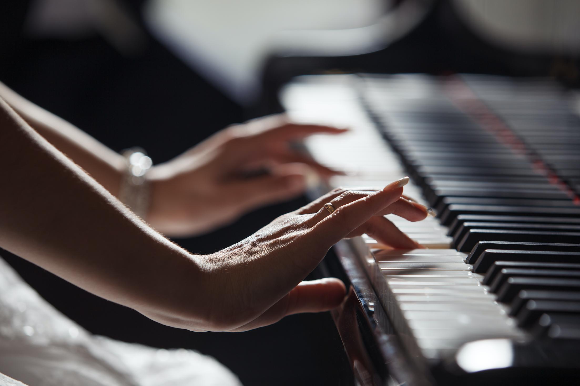 موسيقى البيانو