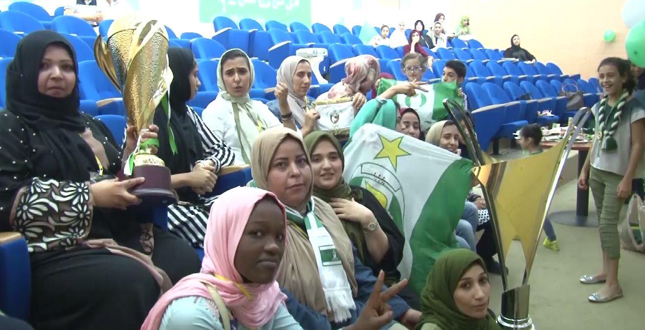 مشجعات الأهلي طرابلس