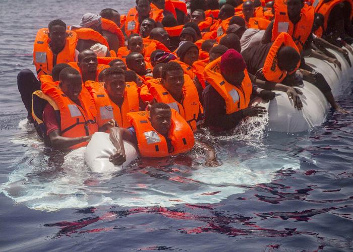 المهاجرين غير القانونيين