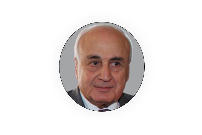 د. زيد حمزة