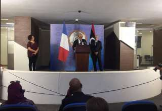 فرنسا تجدد التزامها للحل العاجل في ليبيا
