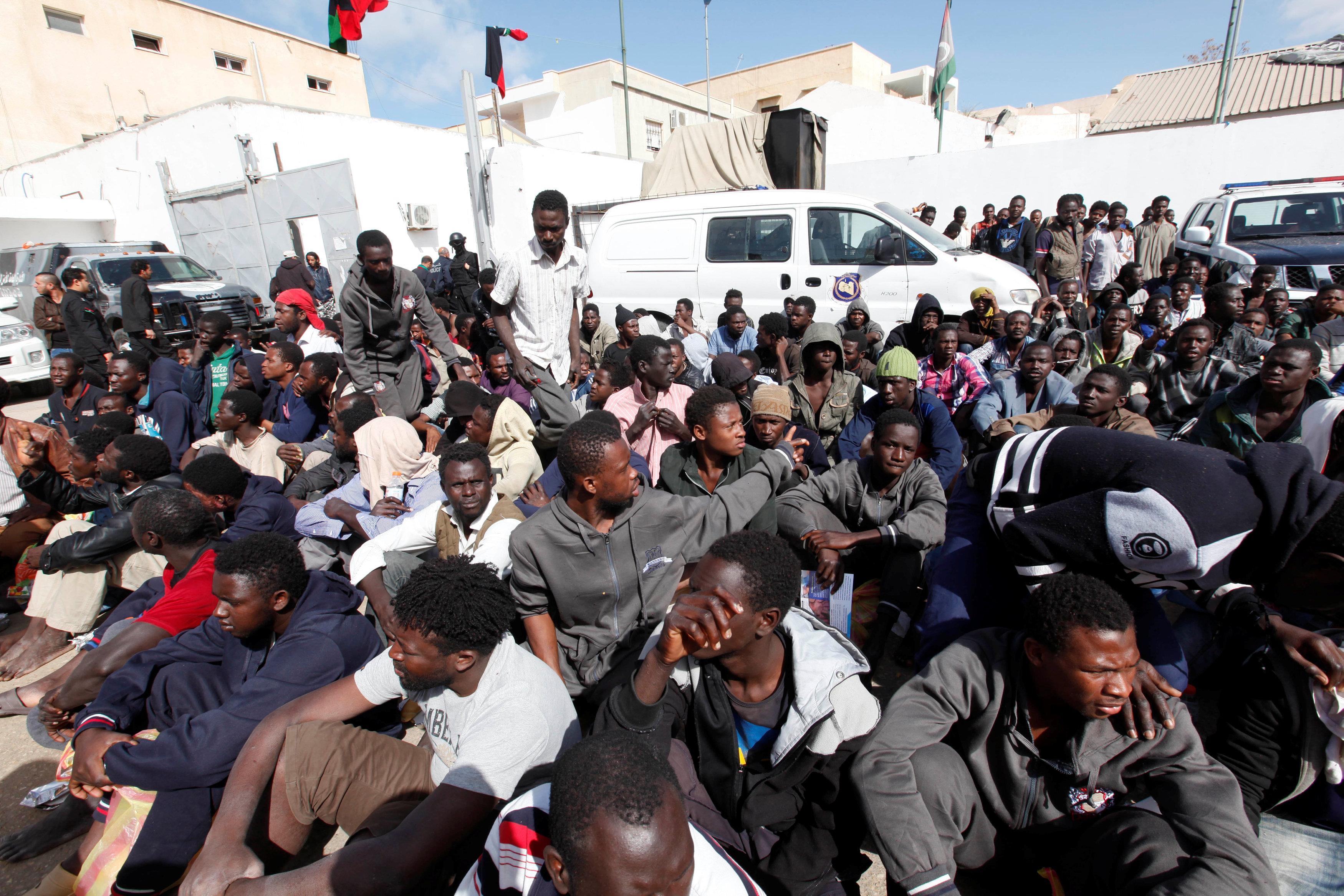 صورة الأوروبي: لا نمول مراكز احتجاز في ليبيا