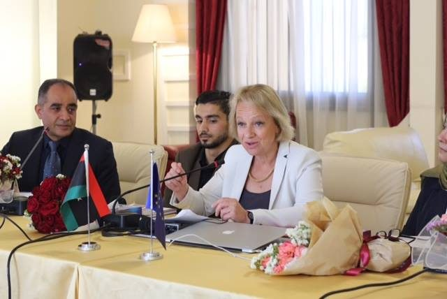 "Photo of سفيرة ""الاتحاد الأوروبي""في ليبيا تقدم الوعود من ""المشاشية"""
