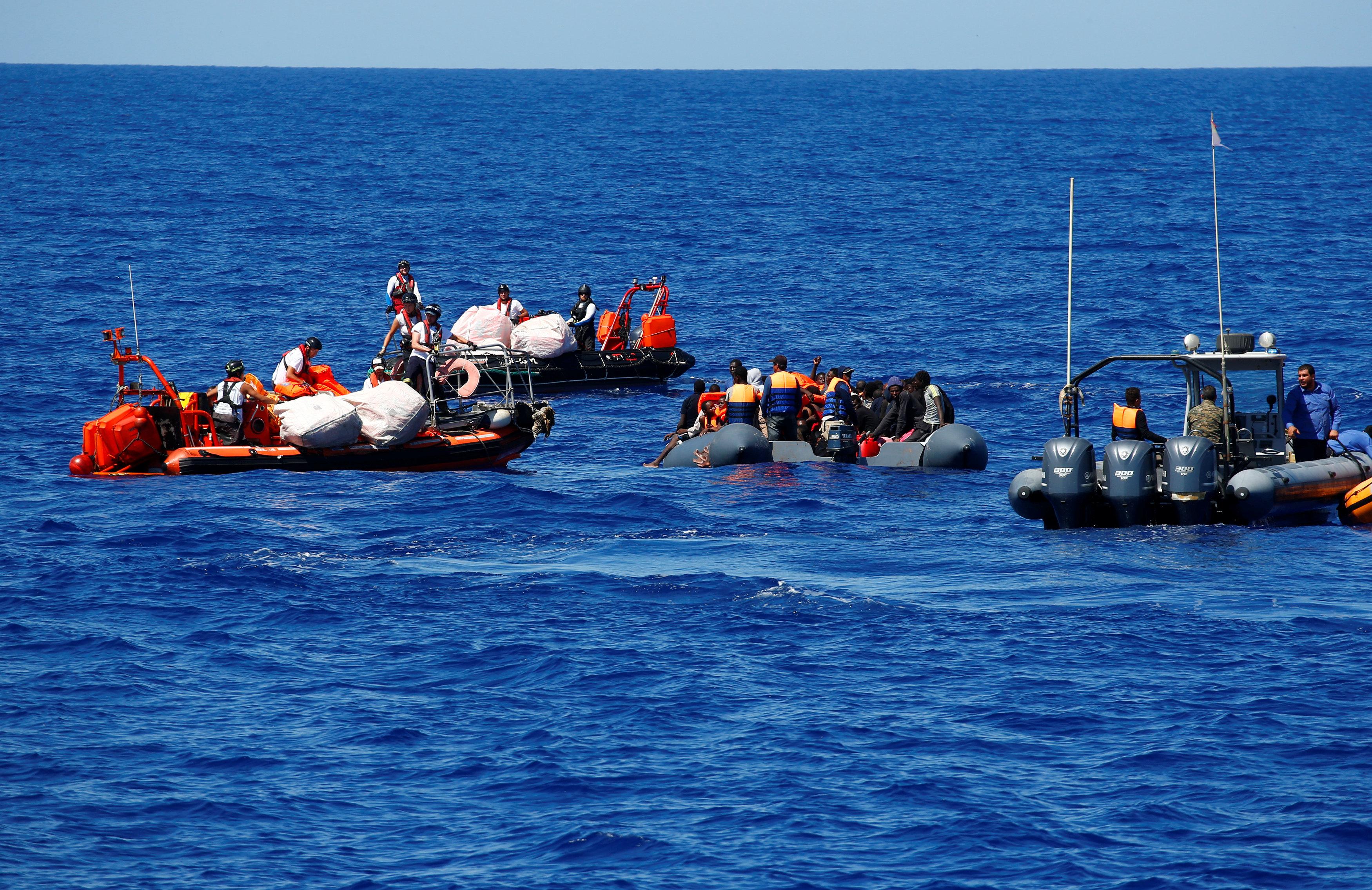 إنقاذ مهاجرين على سواحل المتوسط