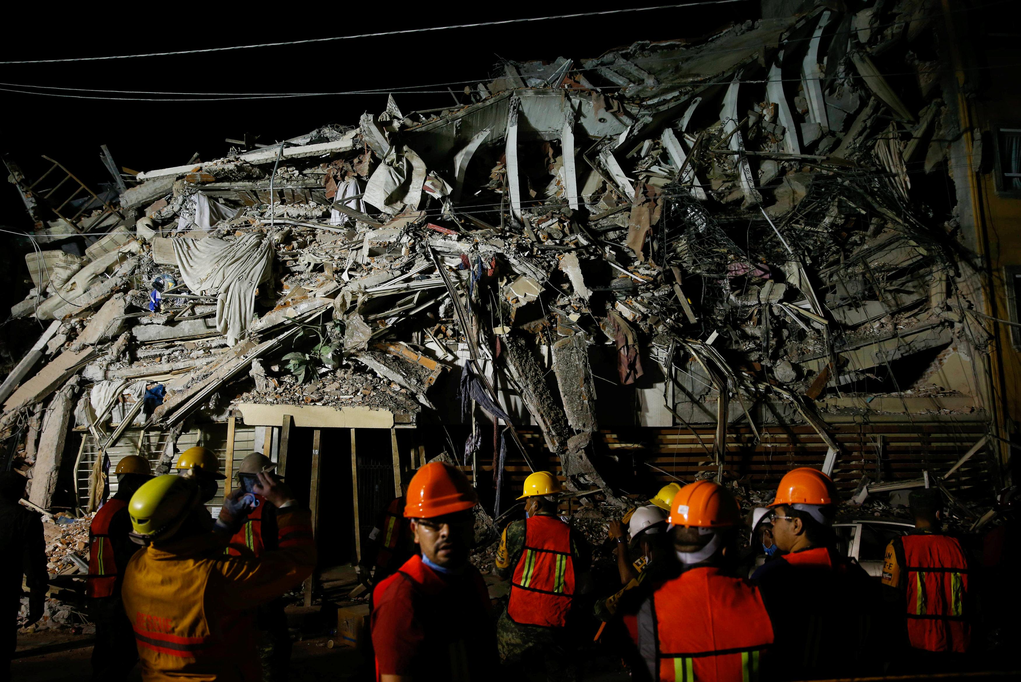 Photo of مقتل 226 شخصا على الأقل في زلزال المكسيك
