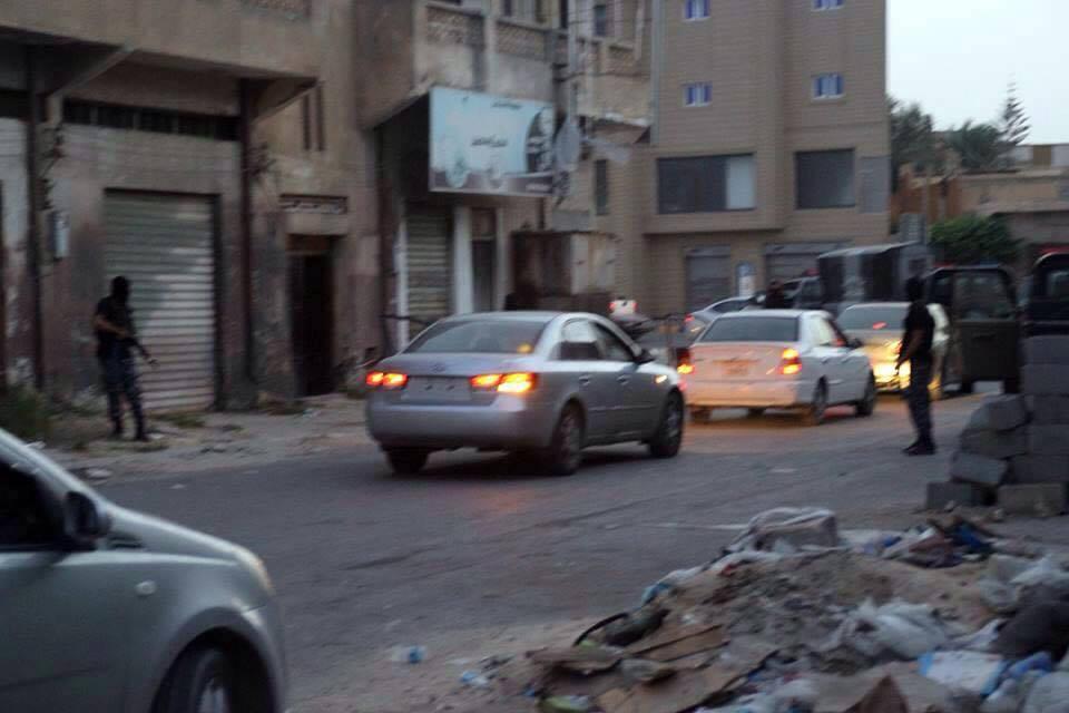 صورة ضبط مروجي وتجار مخدرات بمداهمة في مصراتة (صور)