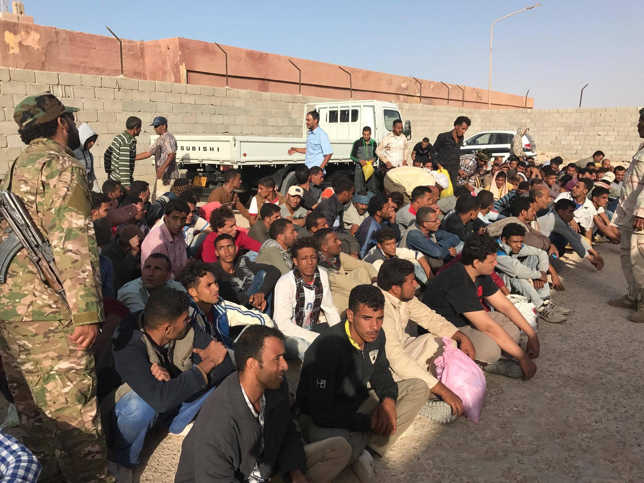 Photo of مصر تُحذر مواطنيها من عصابات ترويج السفر إلى ليبيا