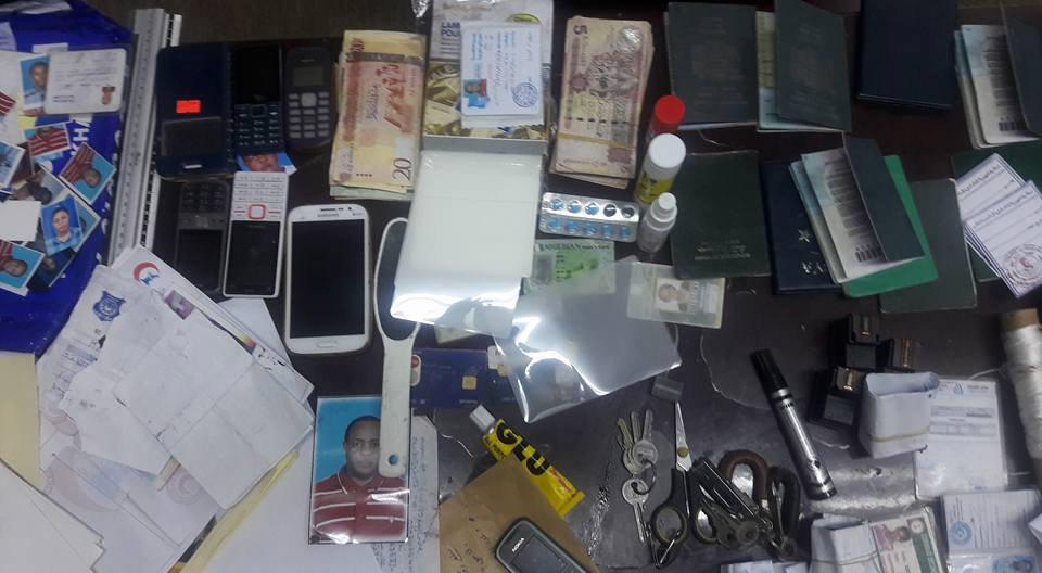 عصابة أفريقية تزوّر الجوازات في بنغازي