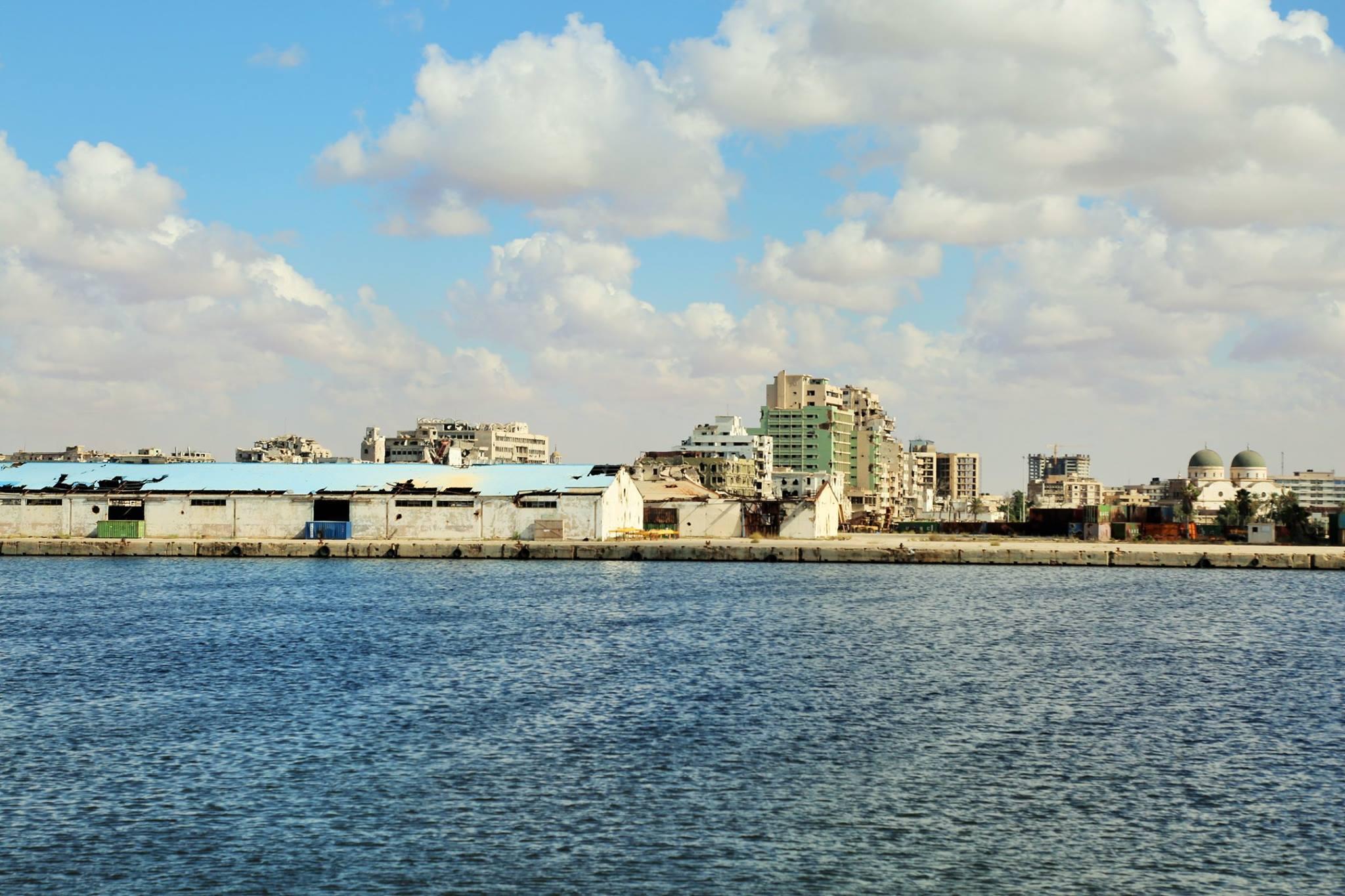 صورة ميناء بنغازي البحري.. عام من العمل المتواصل