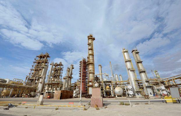 حقل الشرارة النفطي