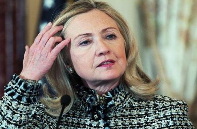 """Photo of """"أميركي"""" يُسجن بسبب """"خصلة شعر"""" هيلاري كلينتون""""!"""