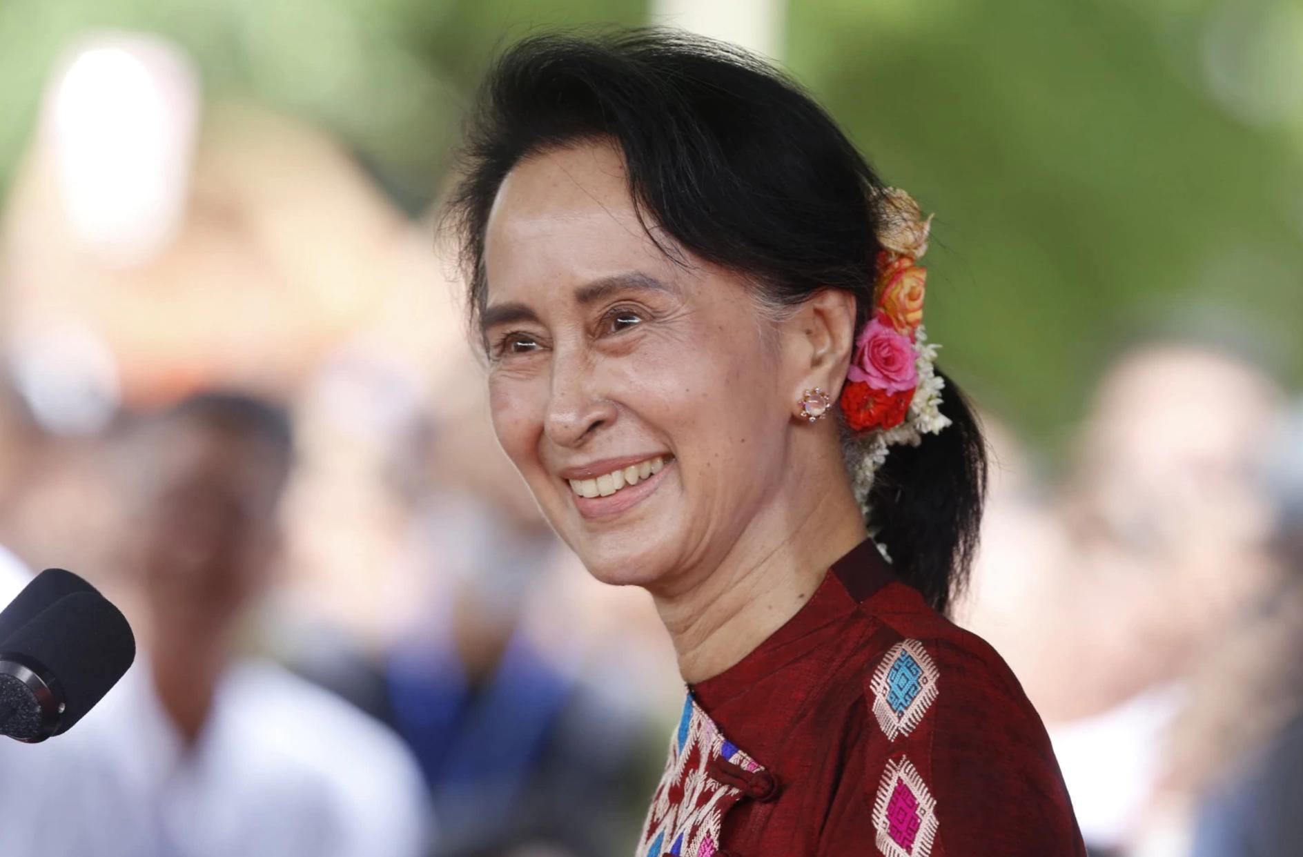 أونج سان سو كي زعيمة ميانمار