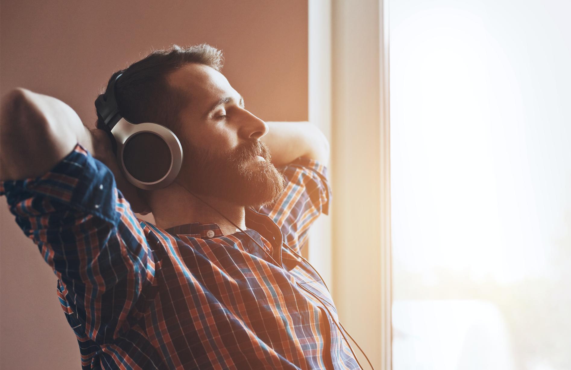 الاستماع للموسيقى