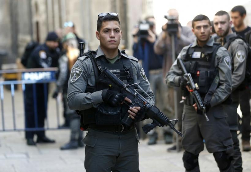 """مقتل """"فلسطيني"""" بعد قتله ثلاثة """"إسرائيليين"""""""