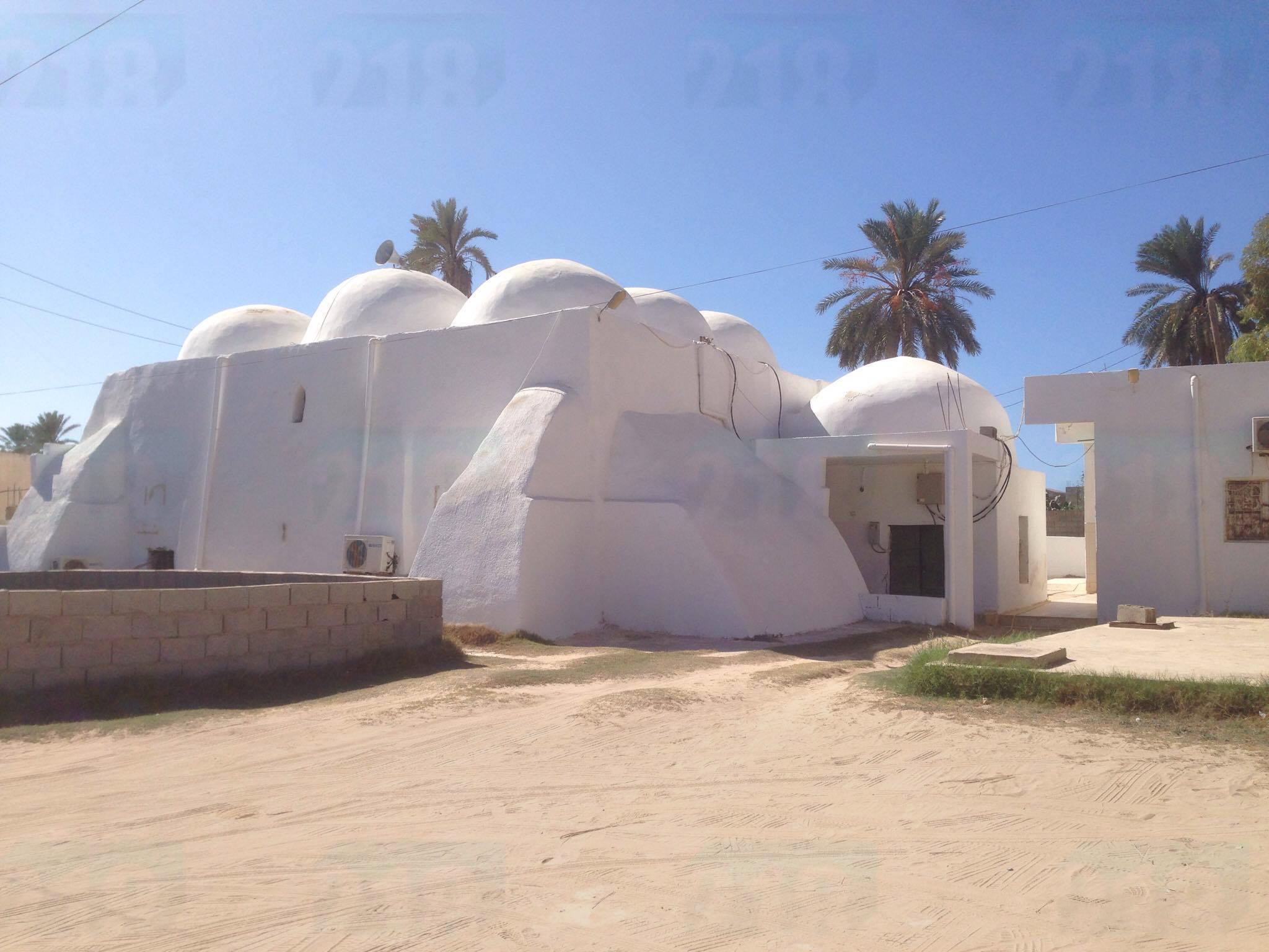 Photo of مسجد بن غلبون.. تاريخ 800 عام لا يُحرك المسؤولين